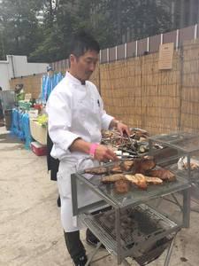 90名のバーベキュー披露宴パーティーの出張料理4