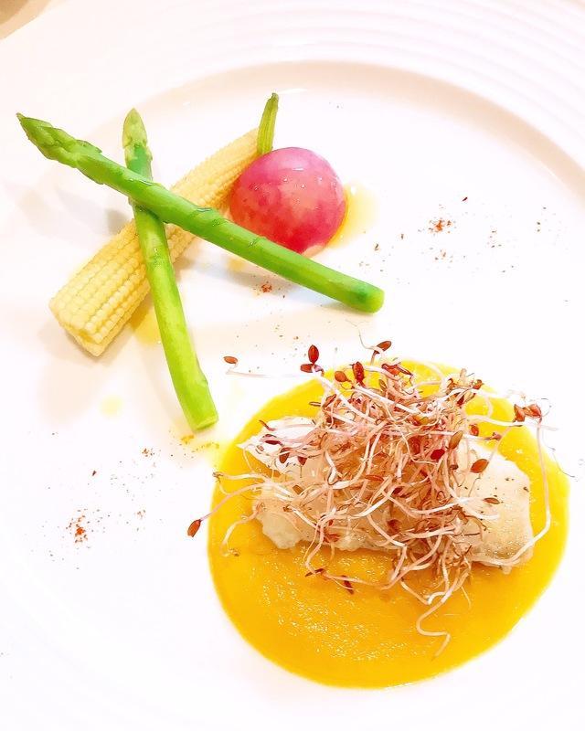 鱈のポワレ 香味野菜のソース