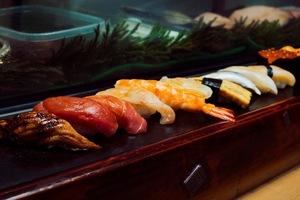 旬の魚を中心にお届けします。