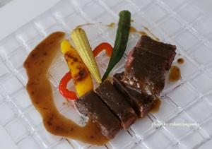 牛ハラミのロースト マルサラ酒のソース