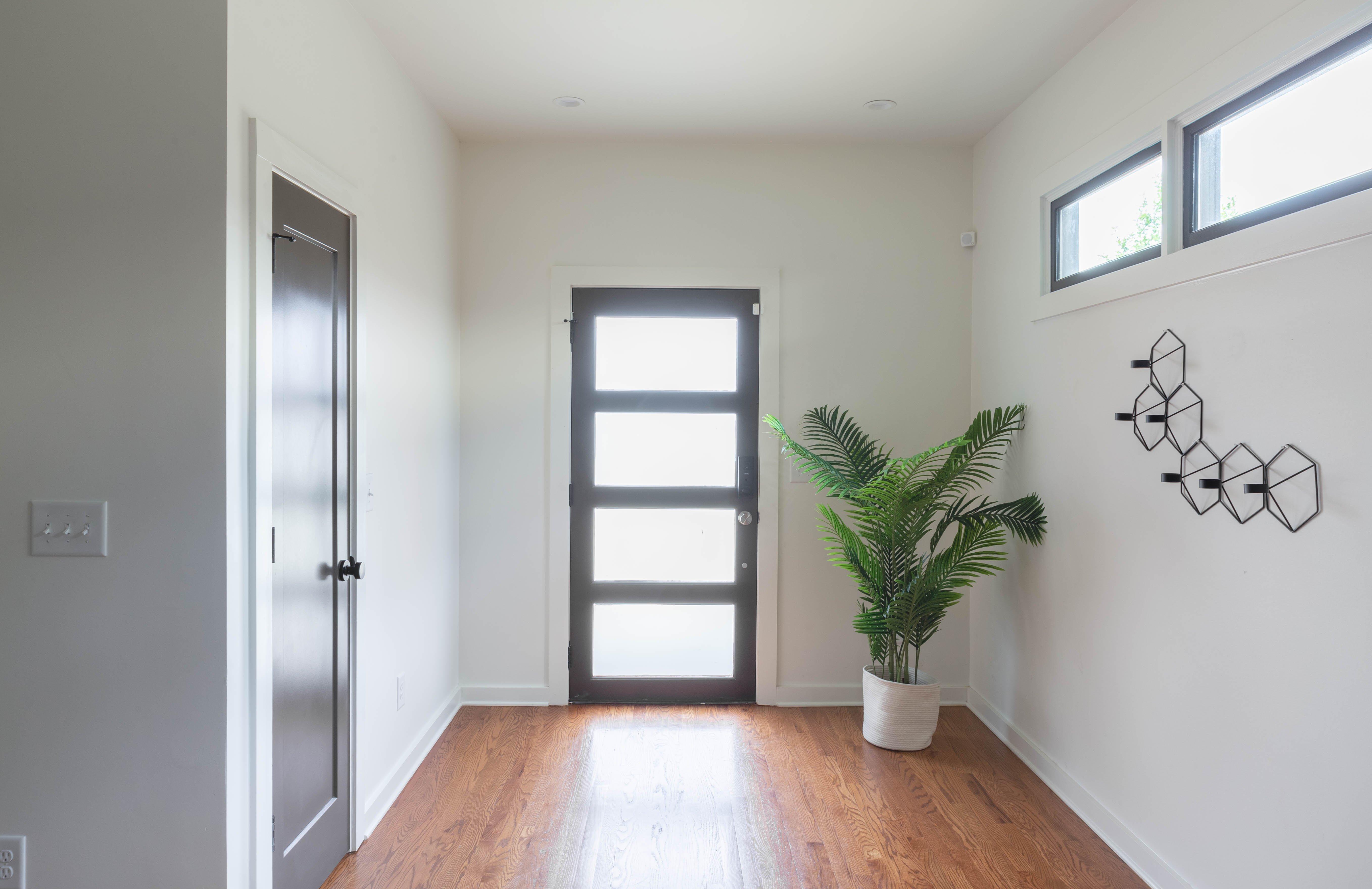 01 foyer entrance 20210707-IMG_7934-HDR.jpg