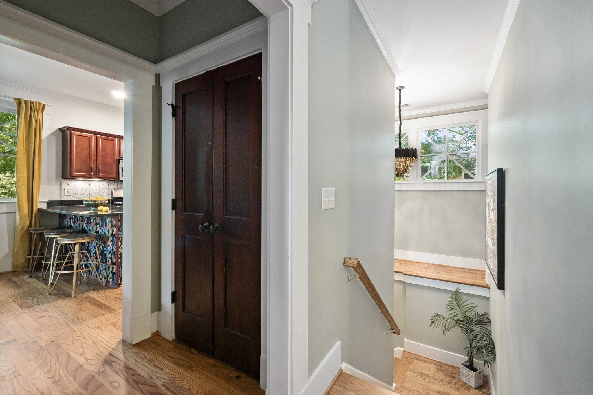 03 kitchen hallway9.jpg