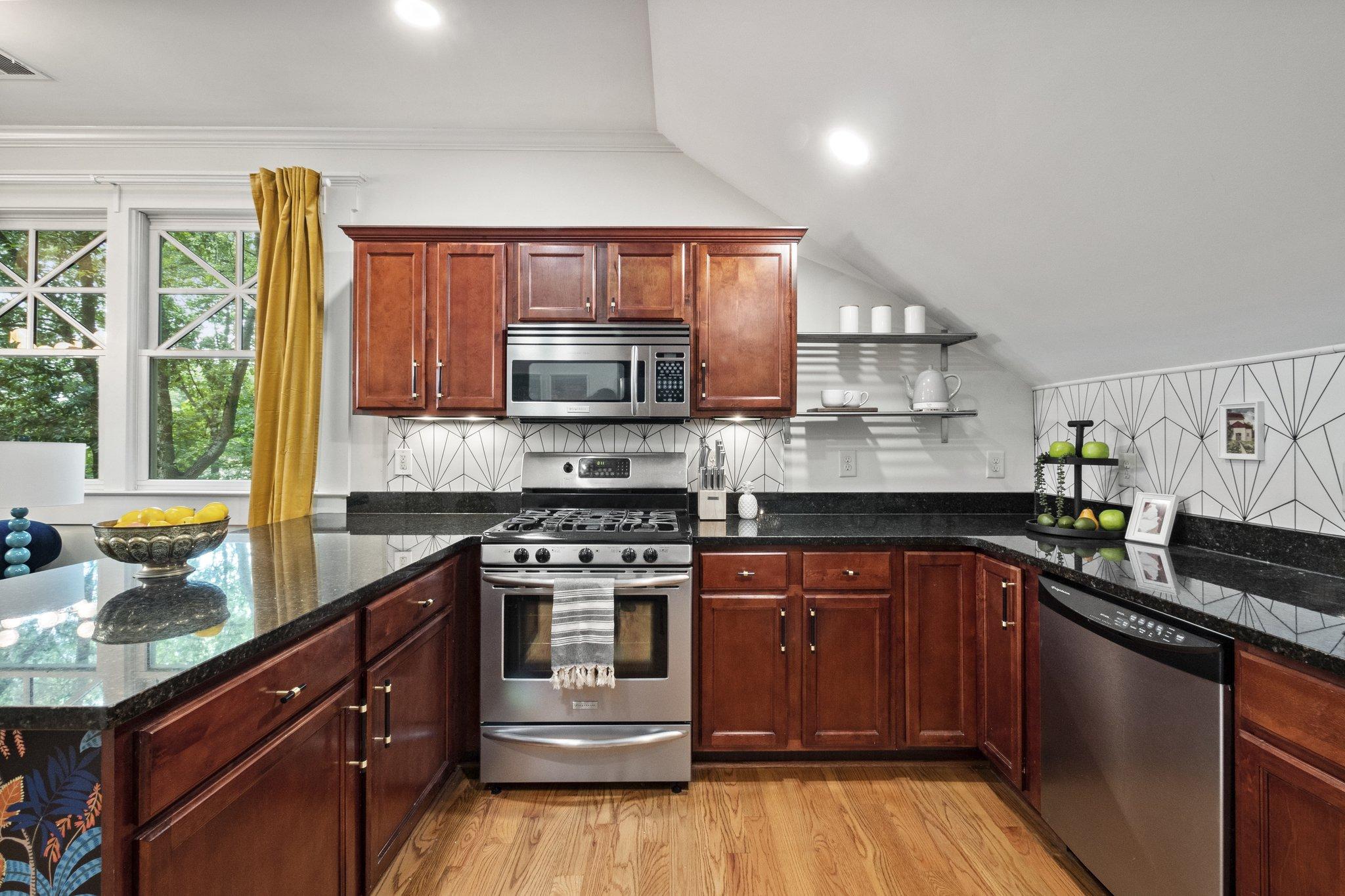 05 kitchen11.jpg