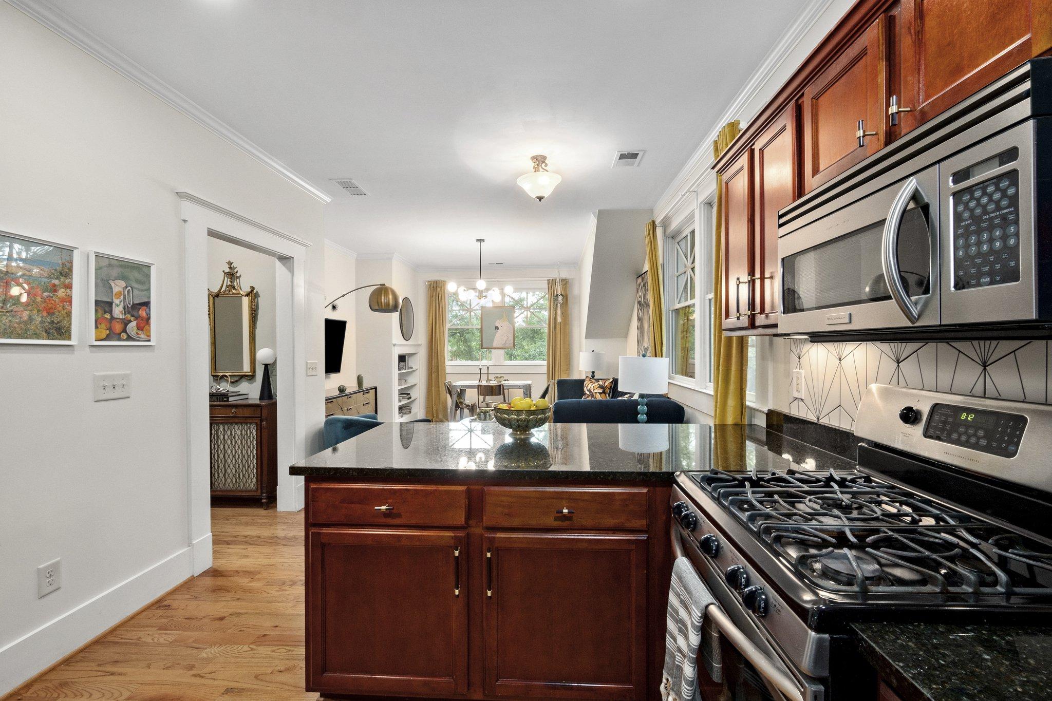 07 kitchen12.jpg
