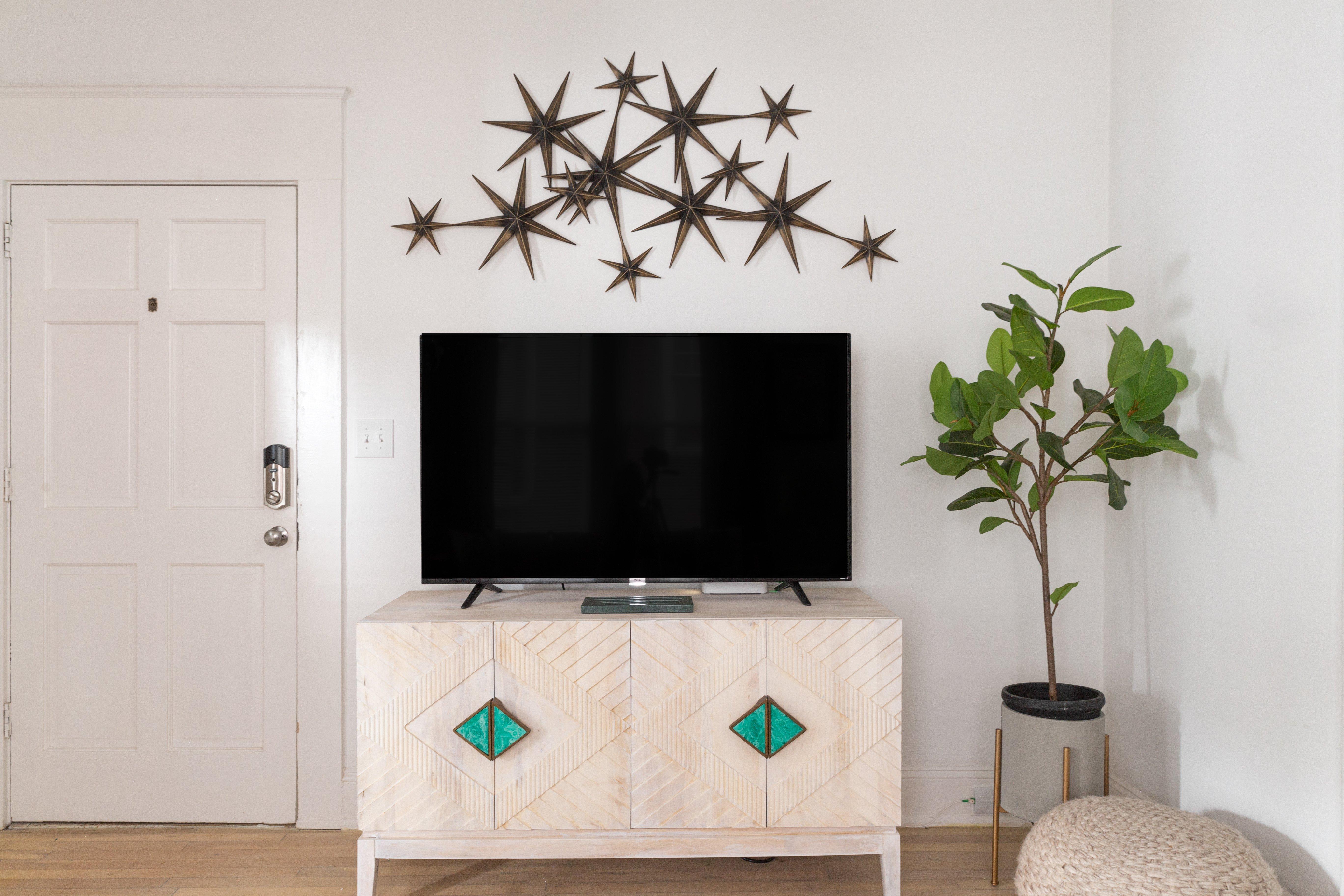 07 livingroom 20210810-IMG_2917.jpg