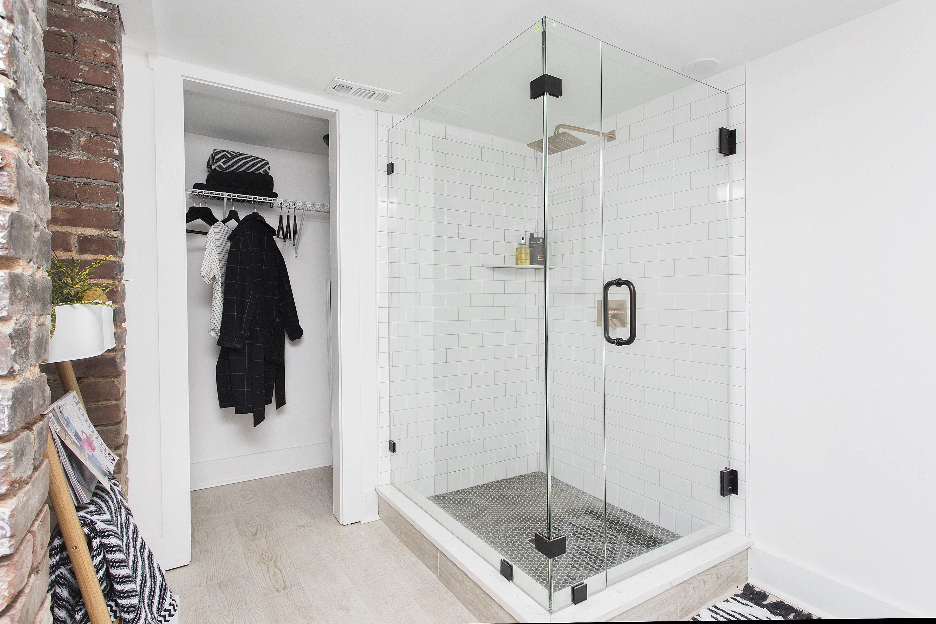 08 Shower.jpg