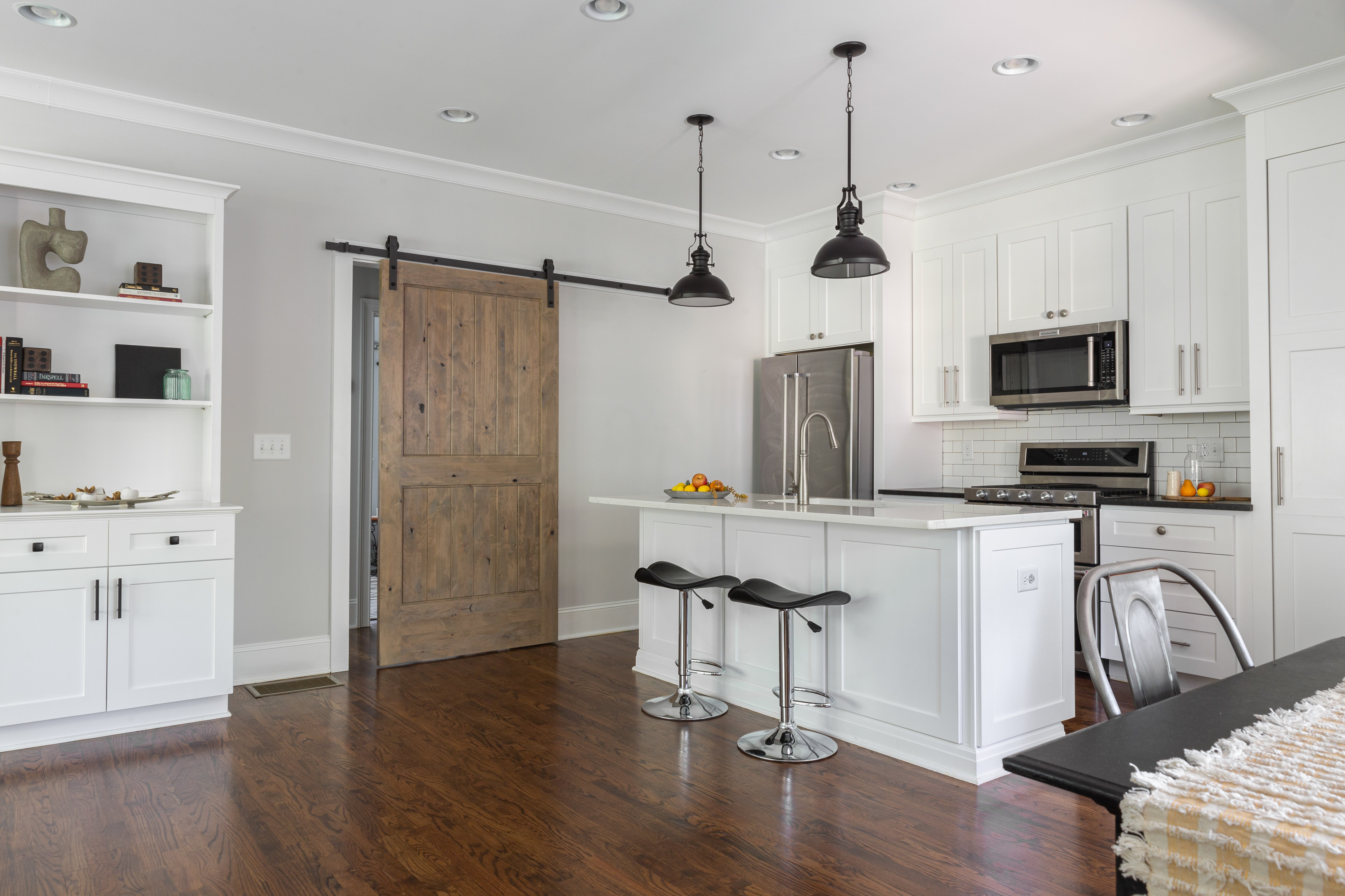 10 counter stools Sinclair Carriage House-4.jpg