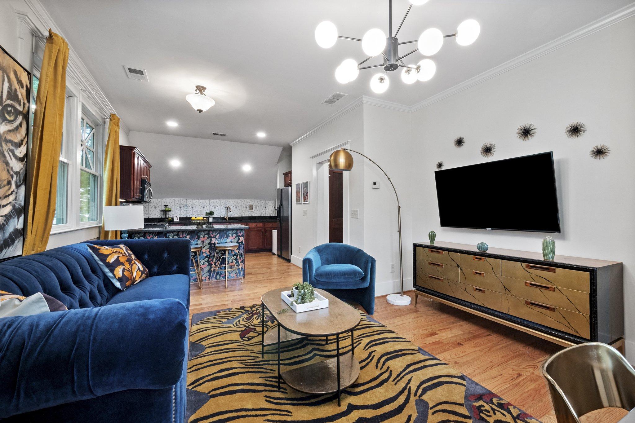 12 livingroom8.jpg