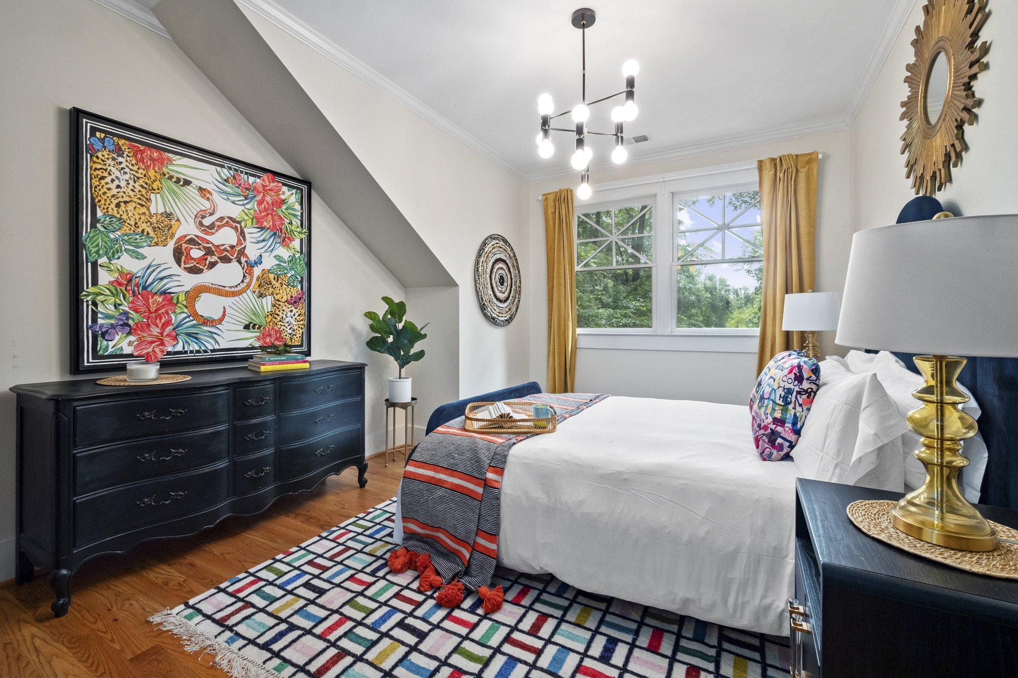 15 bedroom18.jpg