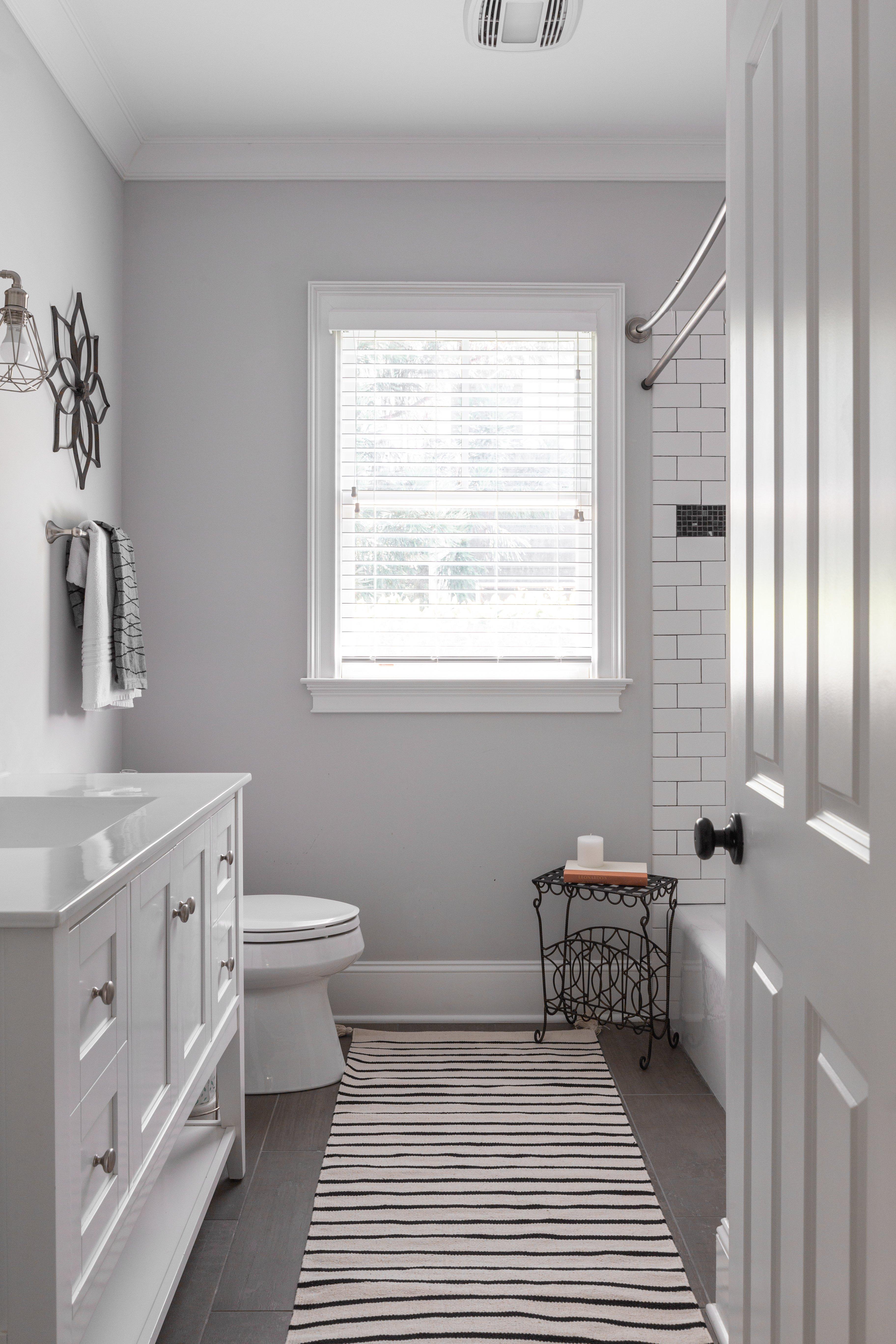 18 bathroom Sinclair Carriage House.jpg