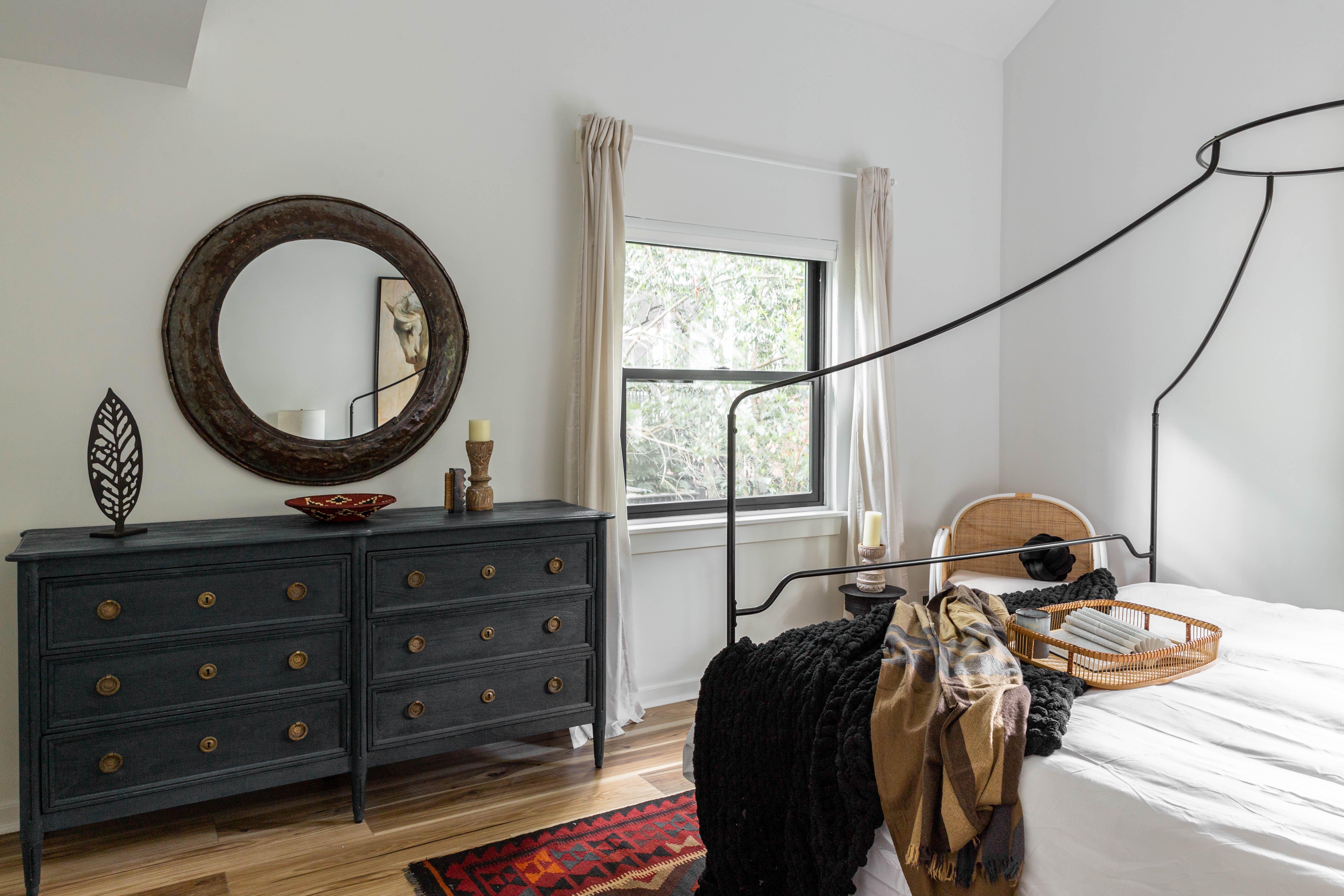 19 bedroom 20210627-IMG_7578-HDR.jpg