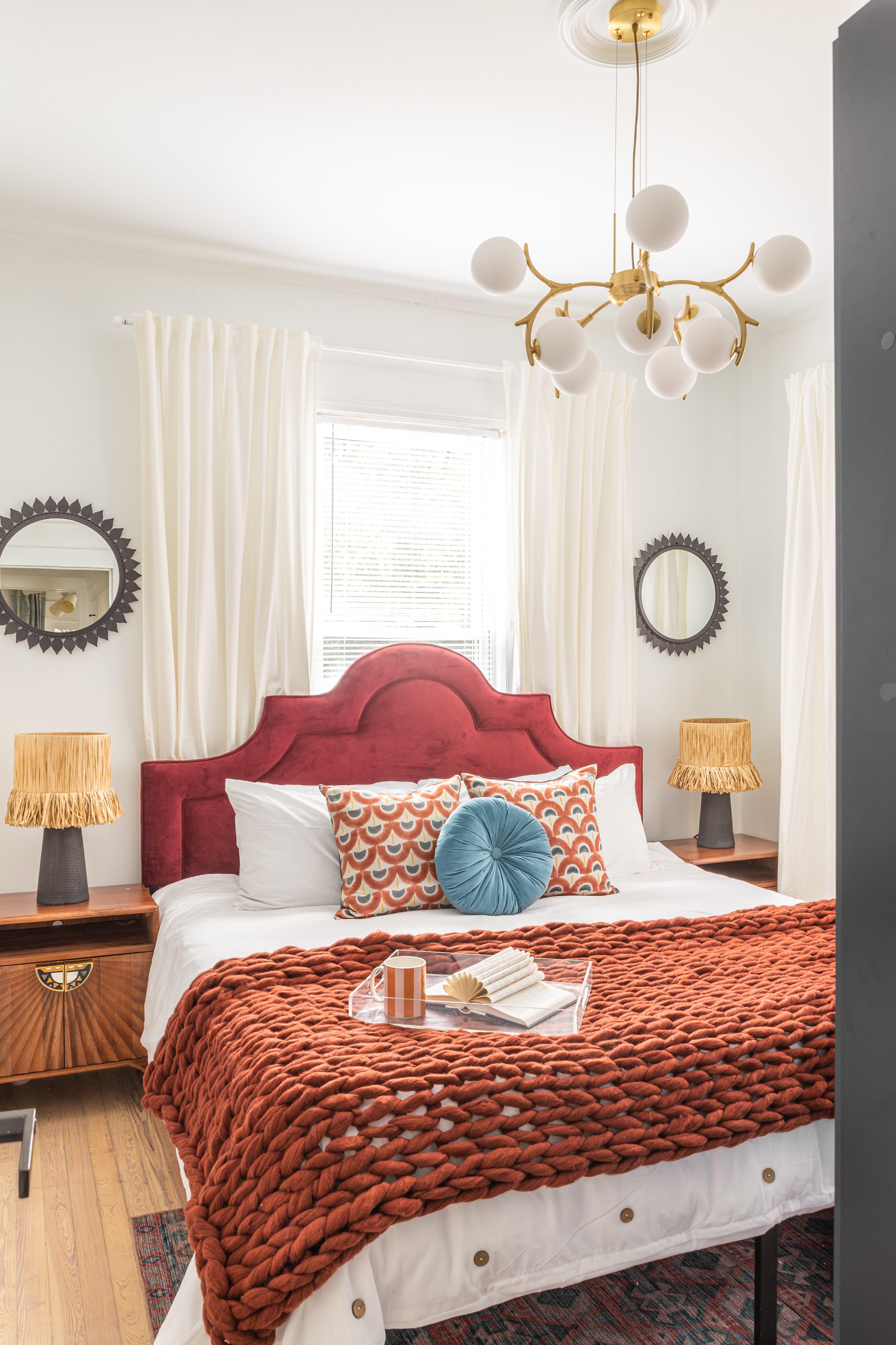 22 bedroom 20210810-IMG_2715-HDR.jpg