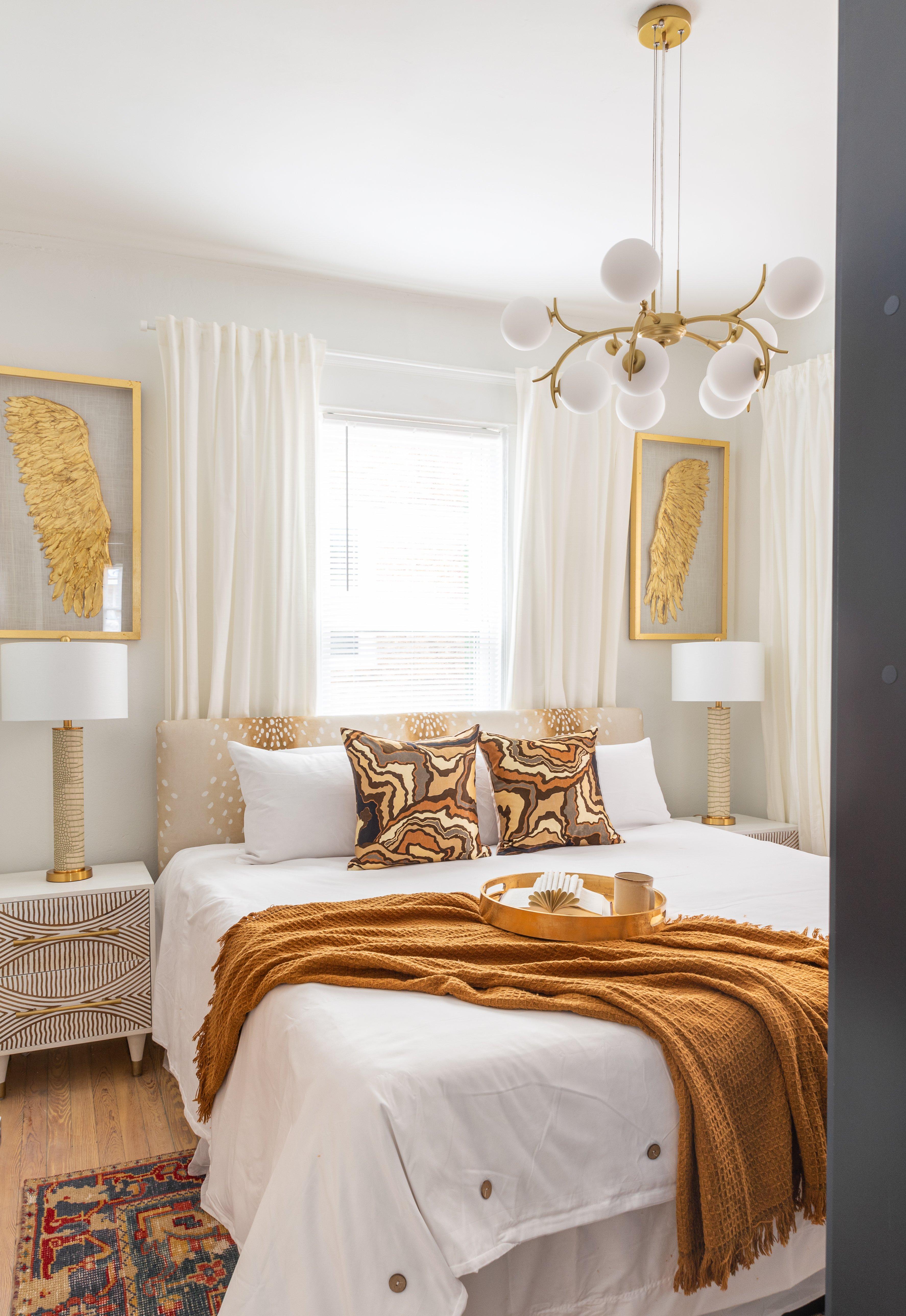 25 bedroom 20210810-IMG_2936-HDR.jpg