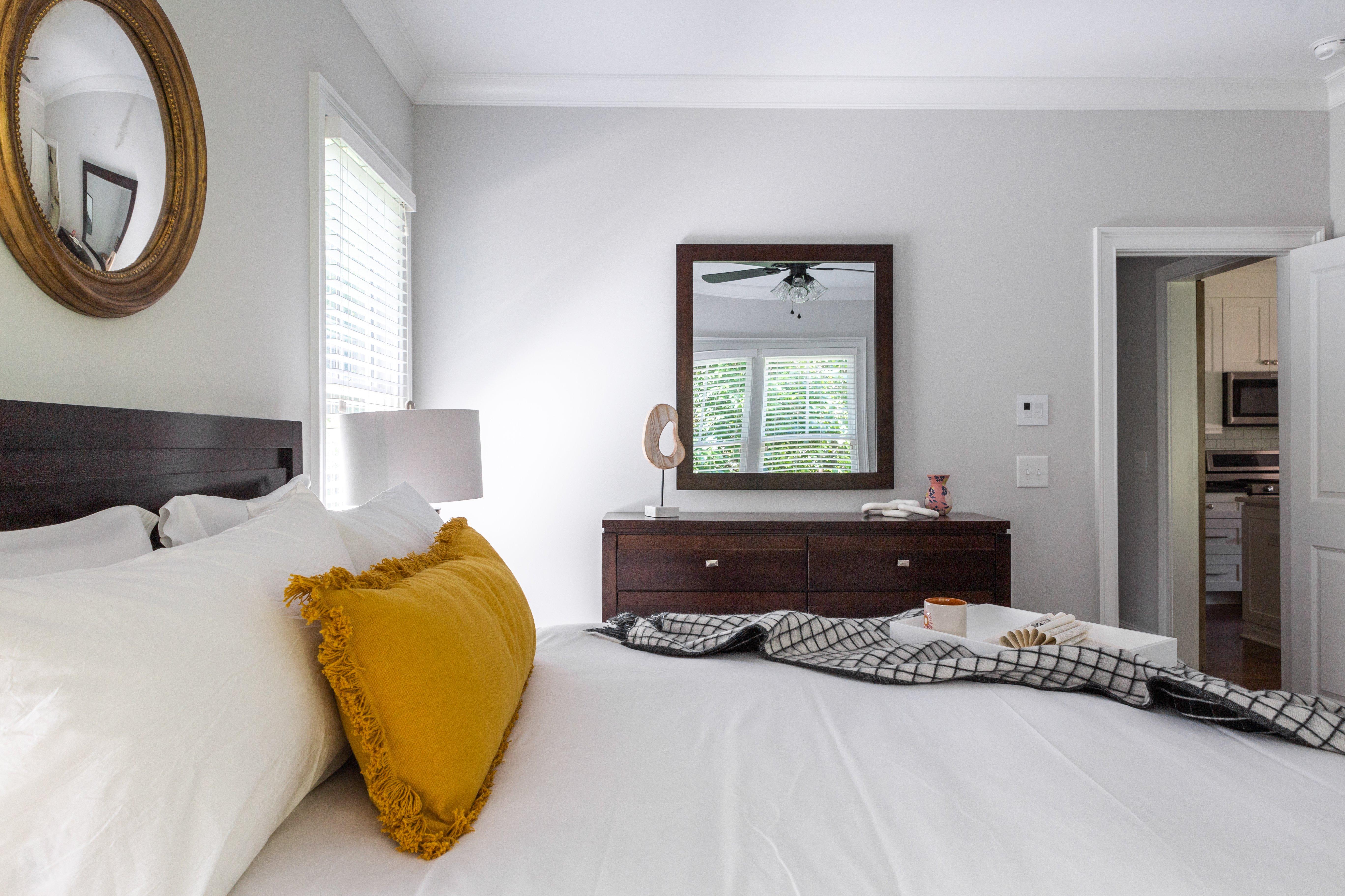 25 bedroom Sinclair Carriage House-12.jpg
