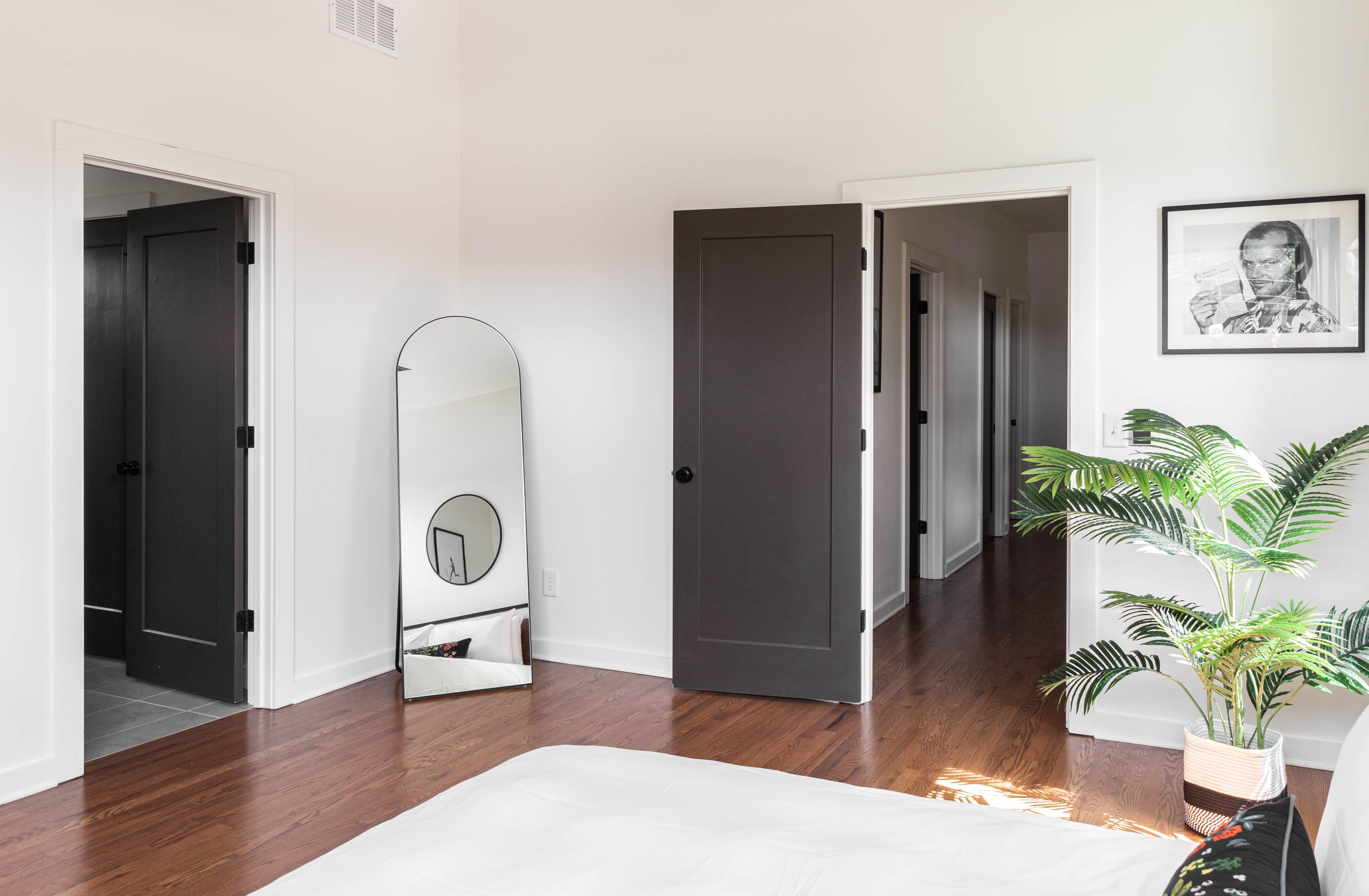 30 bedroom 220210707-IMG_8127.jpg