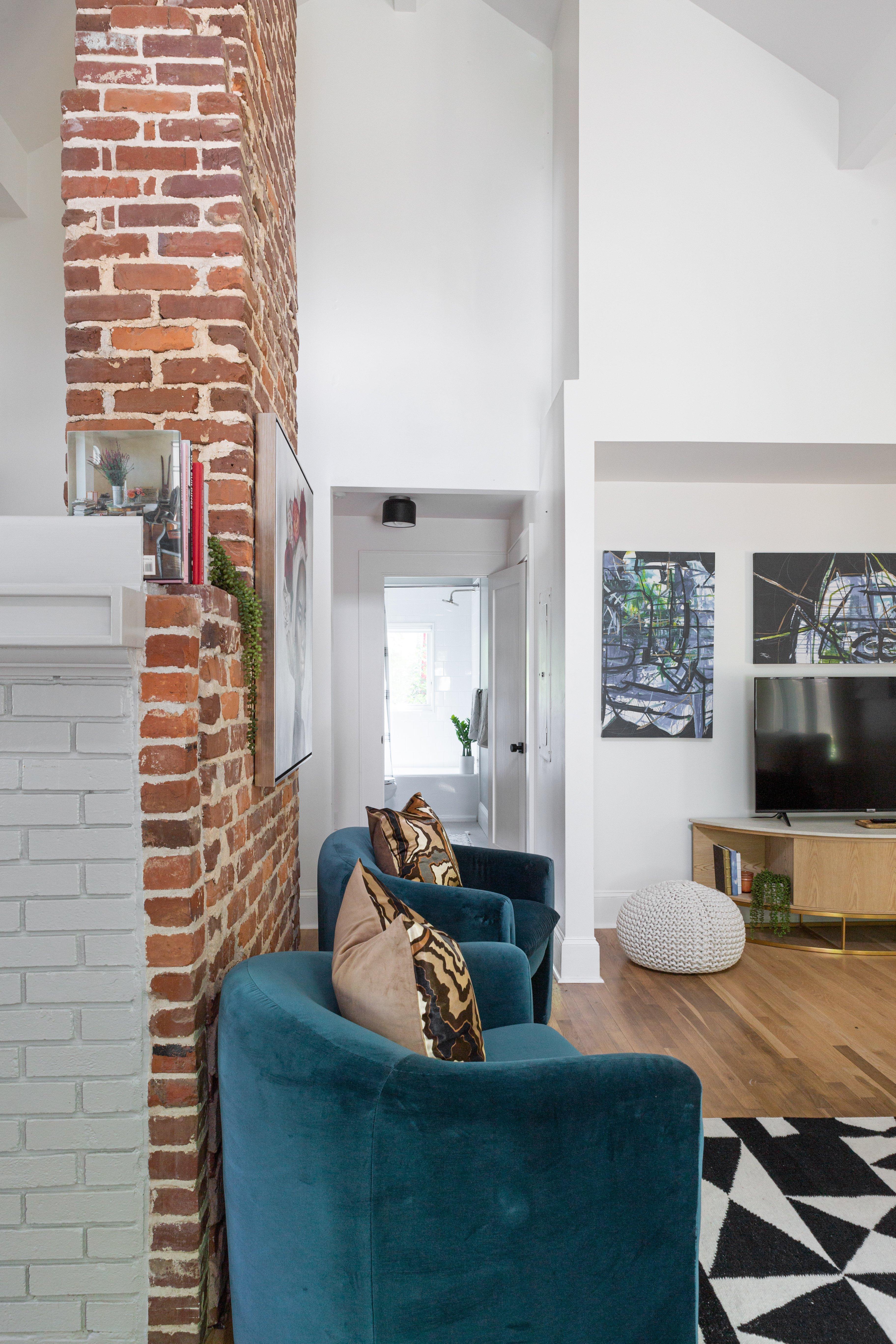 30 living room 20210721-IMG_0187.jpg