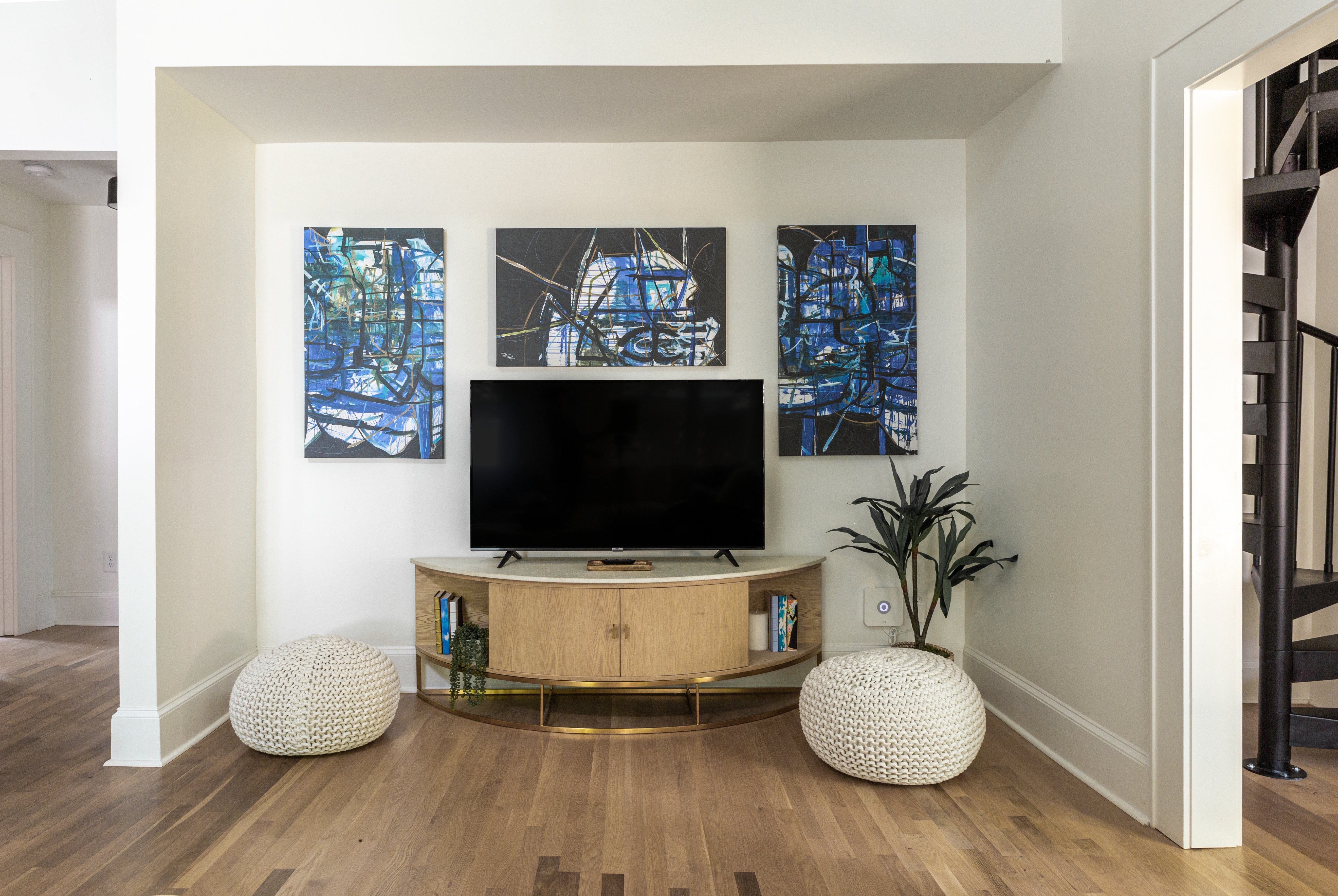 31 living room 20210721-IMG_0136-HDR.jpg