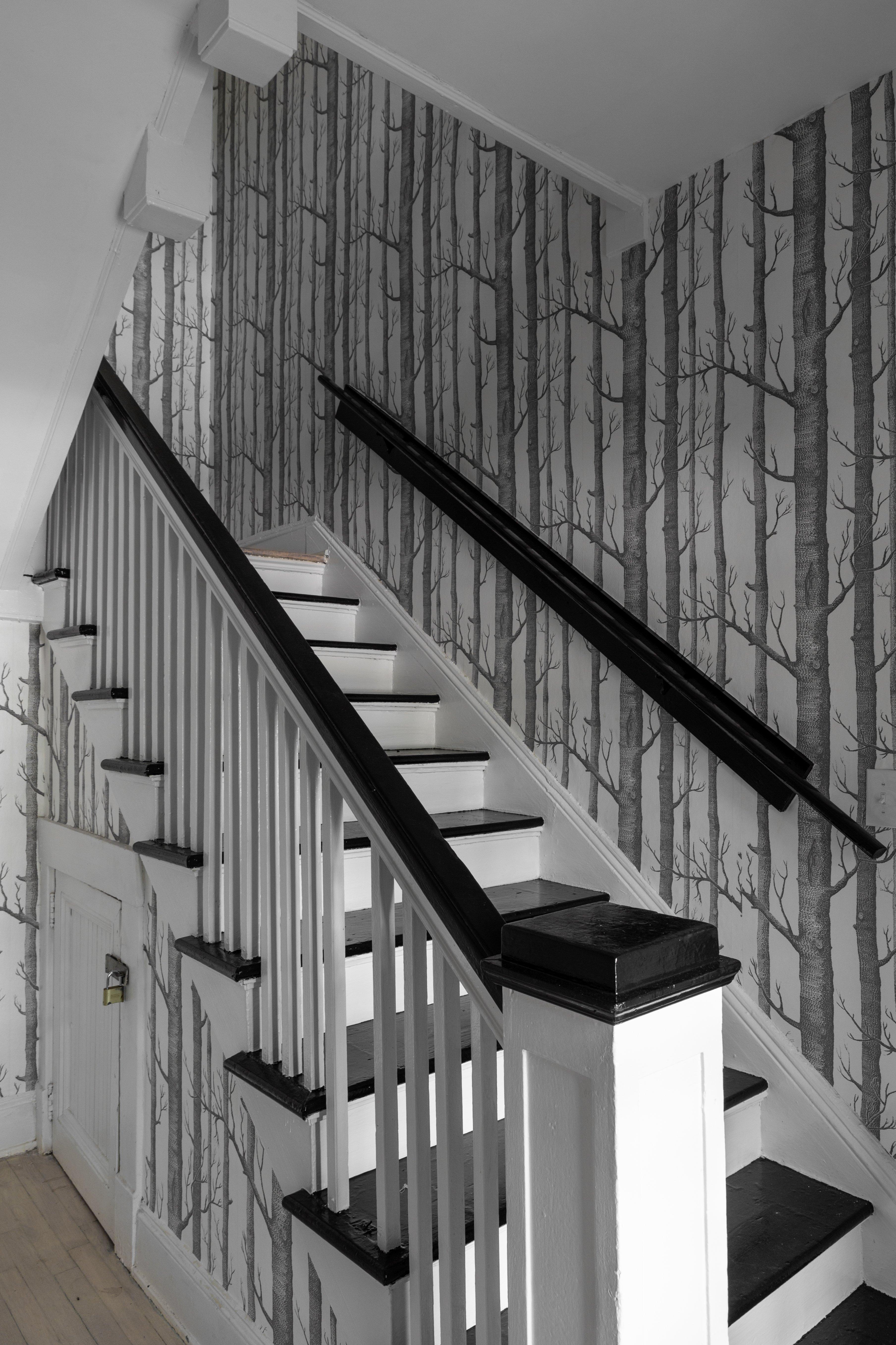 37 foyer stairway 20210728-IMG_1308.jpg