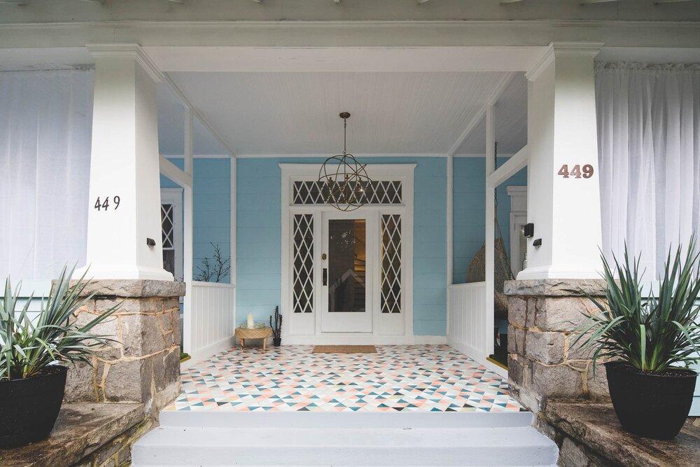 Property: Lady Madonna 25