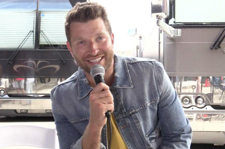 exclusive brett eldredge continues to glow with new christmas album radiocom