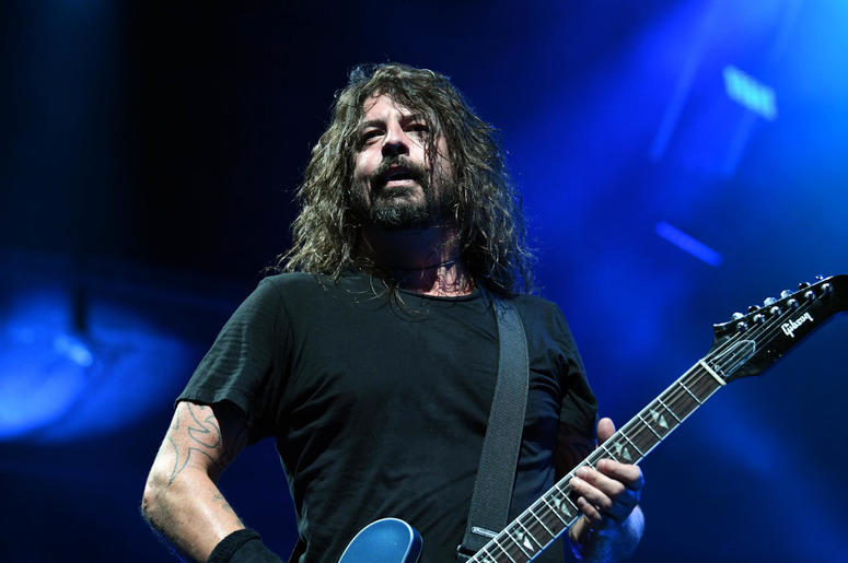 Dave Grohl's Pre-Gig Drinking Ritual Is Predictably Badass