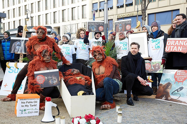SumOfUs protest in Berlin against palm oil in biodiesel