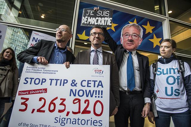Remise de pétition à la Commission européenne