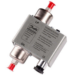 "MP 54 36"" Capillary Tube Differential Pressure Control Product Image"