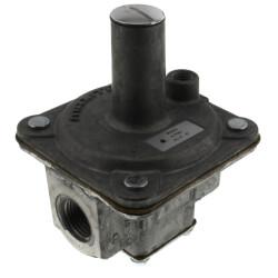 "1/2"" Straight-Thru-Flow Gas Regulator<br>(900,000 BTU) Product Image"