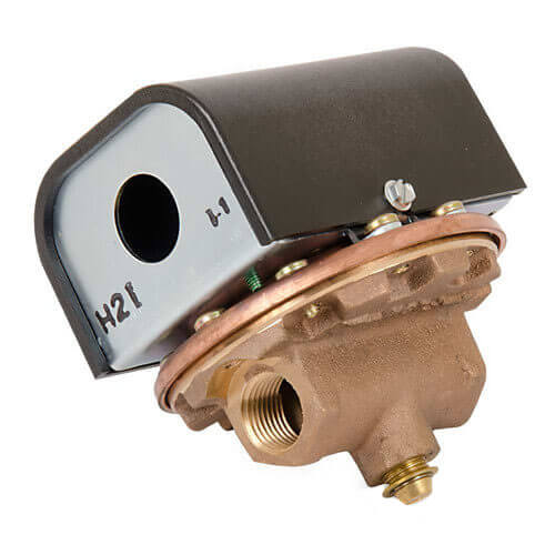 "FS1, 1/2"" Flow Switch Product Image"