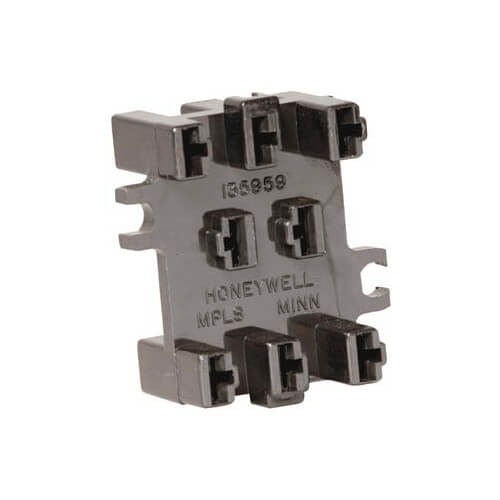Receptacle for the R4228/R8228 Switching Relays Product Image