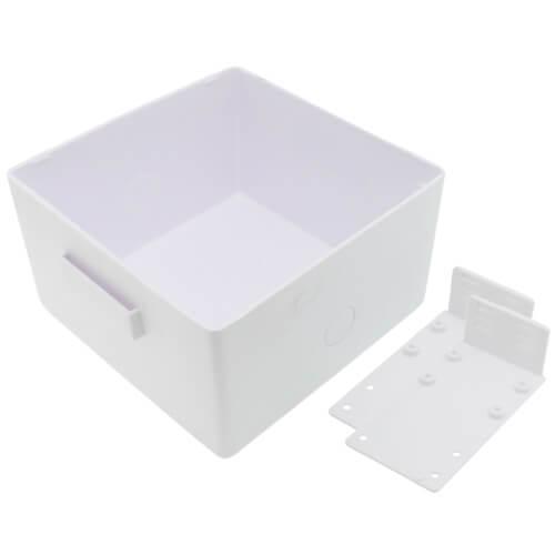Square Plain Ice Maker Outlet Box, No Valves (Standard Pack) Product Image