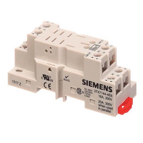300V Socket Relay Base (16A) Product Image
