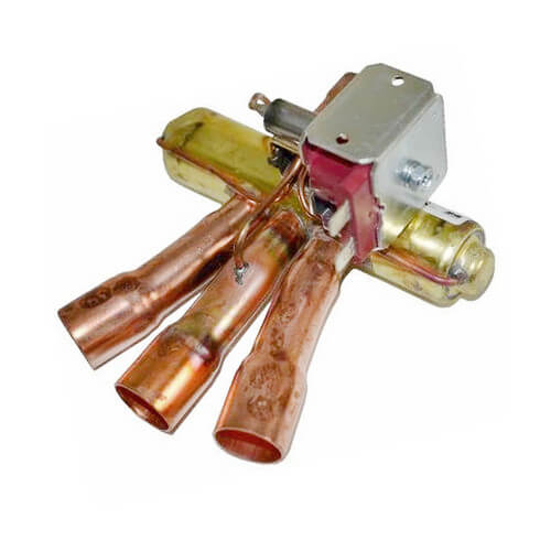 Reversing Valve w/ Coil Product Image