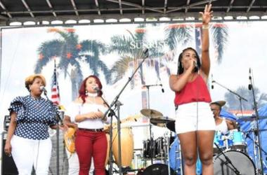 City_of_Sunrise_FL_Florida_Fourth_4th_of_July_102_7_The_Beach