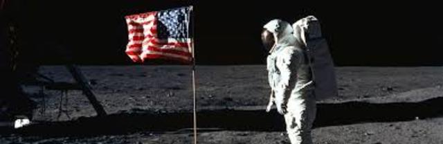 Race to Moon