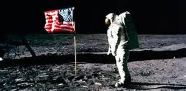 """""""זהו צעד קטן לאדם, צעד גדול לאנושות"""""""