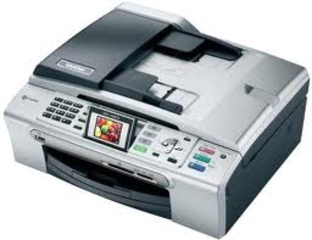 Equipo multifuncion, copia, imprime, escanea, fax