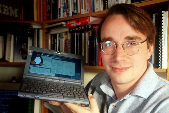 Cual es la relación entre el Unix y el Linux, o mejor, entre el Unix y Linus Torvalds?