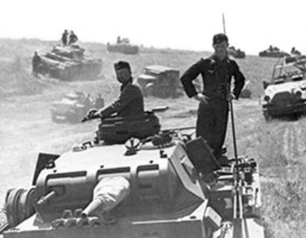 Operation Barbarossa inleds, slaget om Sovjet