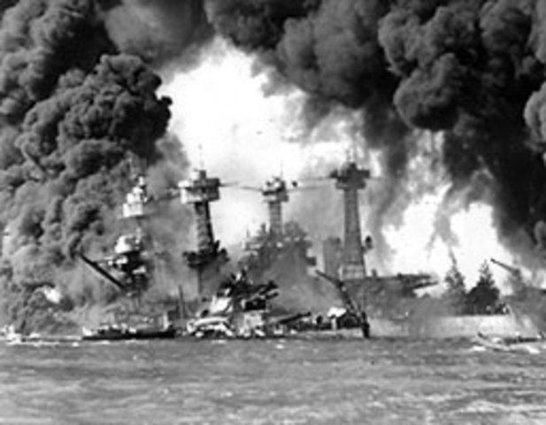 Japan anfaller Pearl Harbor, USA går nu in i kriget