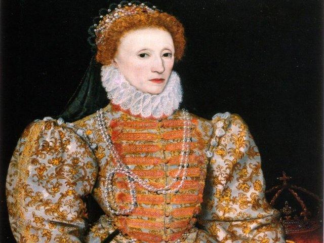 Elizabeth I's long reign begins