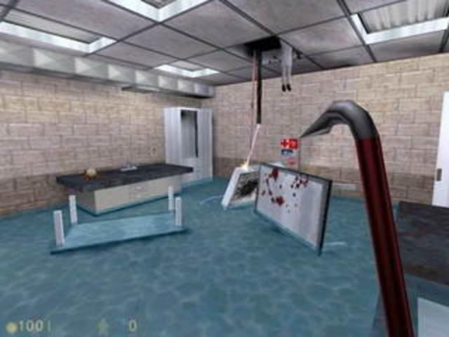 Выходит игра «Half-Life».