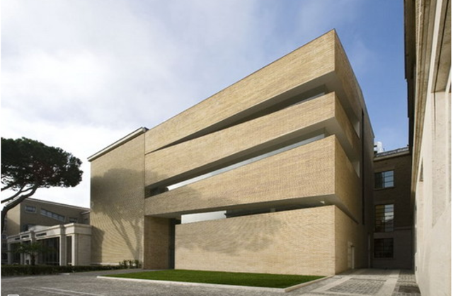 LATERAN UNIVERSITY LIBRARY EXTENSION
