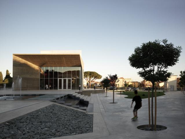 NEW THEATRE MONTALTO DI CASTRO