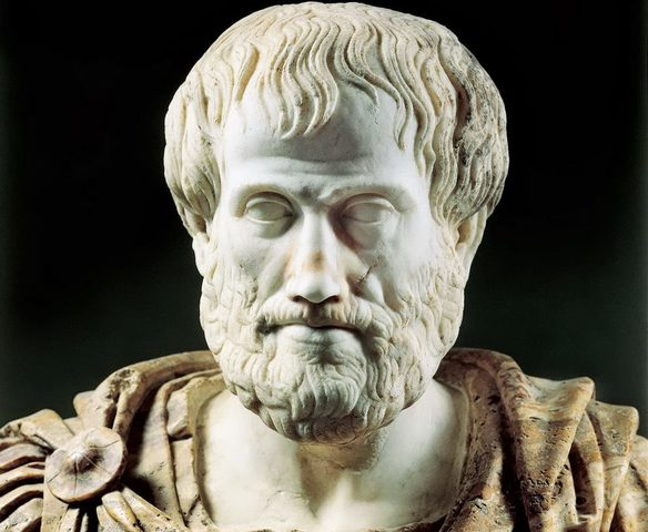 Aristóteles propone la herencia de abuelos y bisabuelos. El semen se forma por ingredientesimperfectamente mezclados. Las niñasson causadas por ´interferenciaµ con lasangre de la madre.