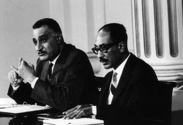 Nasser dør og efterfølges af Sadat