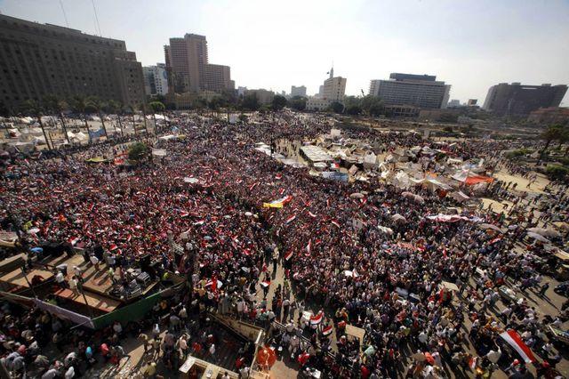Kritik af Morsi og forfatningen (for islamisk)