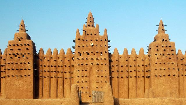 The Mali empire begins