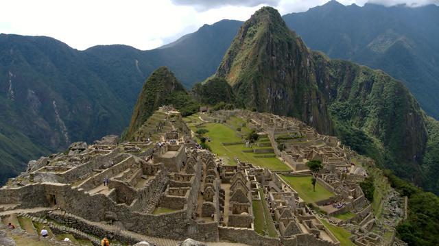 The Incas settle in the Cuzco Valley